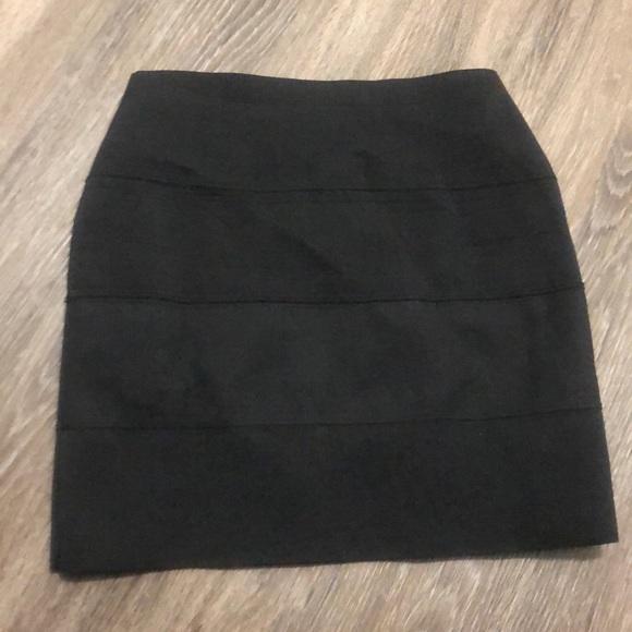 BB Dakota Dresses & Skirts - Bodycon black skirt!
